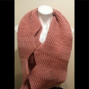 Pink Knitted Infinity Scarf 🧣